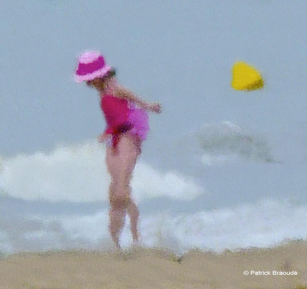 La petite danseuse aux pieds dans l'eau