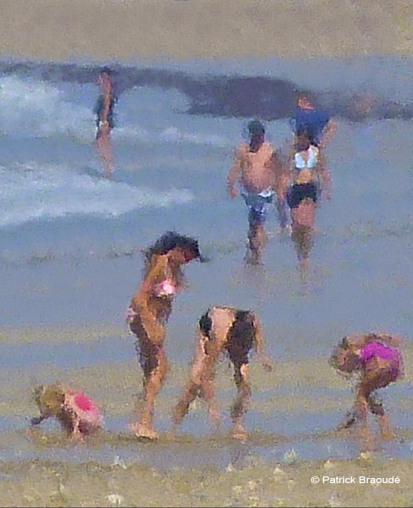 Jouer avec le sable