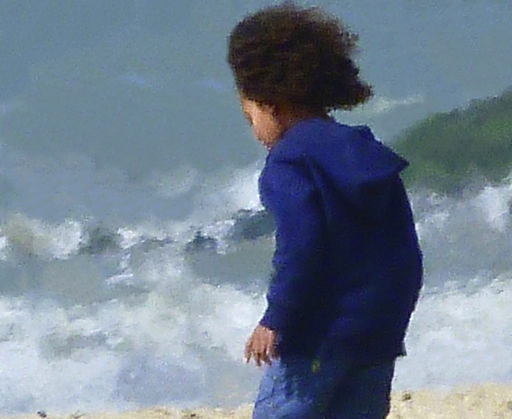 Petit garçon et son grand col marin